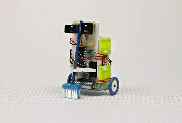 Roboter Reiniger – a handy little household robot, artwork by Niklas Roy